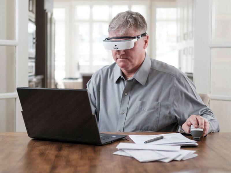 Очки для слабовидящих eSight 3 фото-3